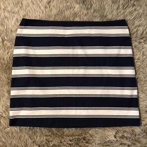 Vineyard Vines Navy Blue White Striped Mini Skirt
